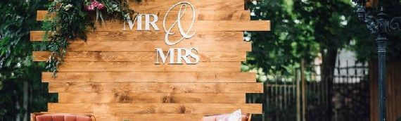 DIY Pallet Sign Ideas For Your Wedding